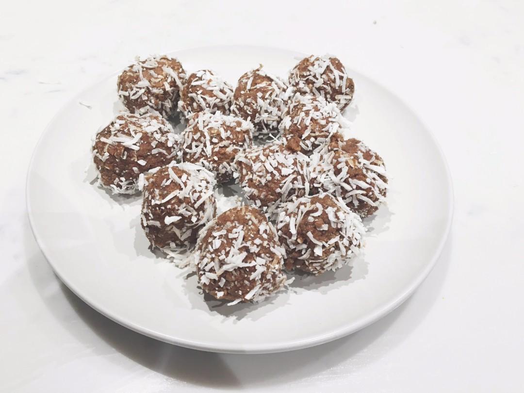 easy protein balls